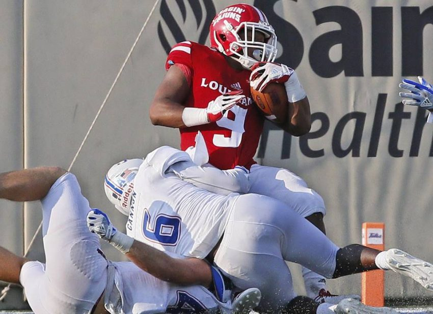 Louisiana-Lafayette running back Trey Ragas (9)