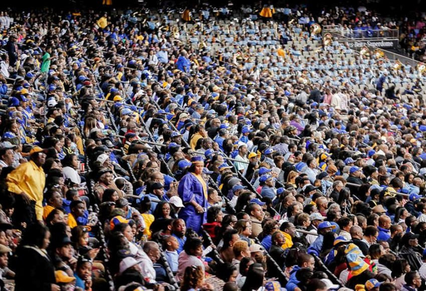 Bayou Classic crowd