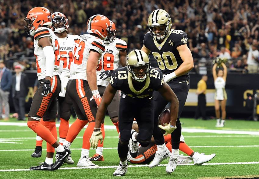 Saints survive wild finish to edge Browns, 21-18