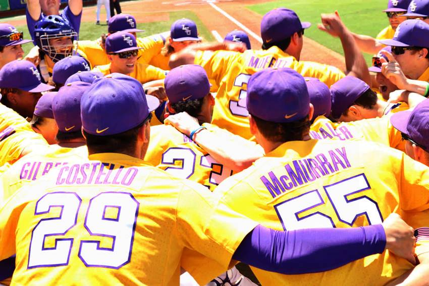 LSU baseball huddle 2019